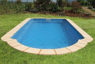 Premi re piscine piscines coques polyester low cost for Piscine coque prix usine