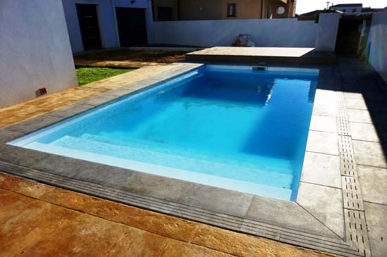 coque piscine fond plat
